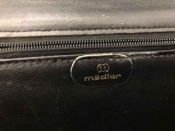 madler(マドラー) ショルダーバッグ 黒 レザー