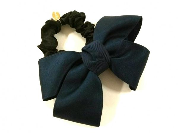 トッカ アクセサリー美品  化学繊維×ラインストーン 黒×ダークネイビー リボン