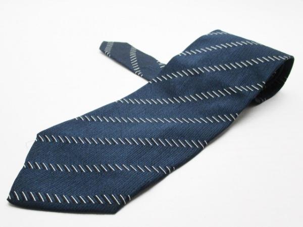 ジョルジオアルマーニ ネクタイ メンズ美品  ダークネイビー×白×黒 斜めストライプ