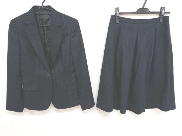 ICB(アイシービー) スカートスーツ サイズ9 M レディース美品  黒 ストライプ