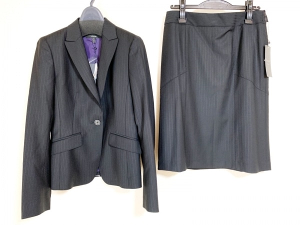 ICB(アイシービー) スカートスーツ レディース新品同様  黒 ストライプ