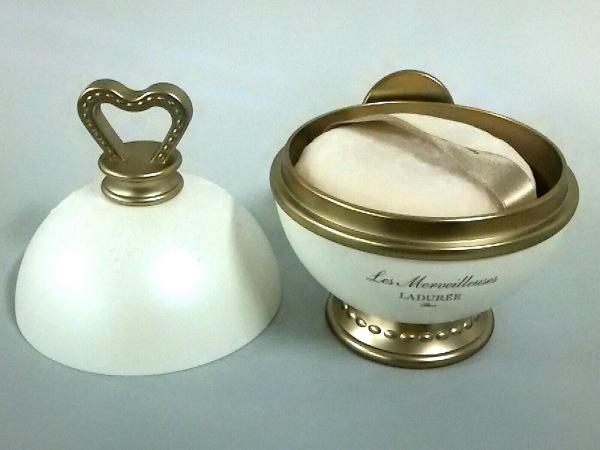 LADUREE(ラデュレ) 小物美品  アイボリー×シルバー×ダークグレー 金属素材