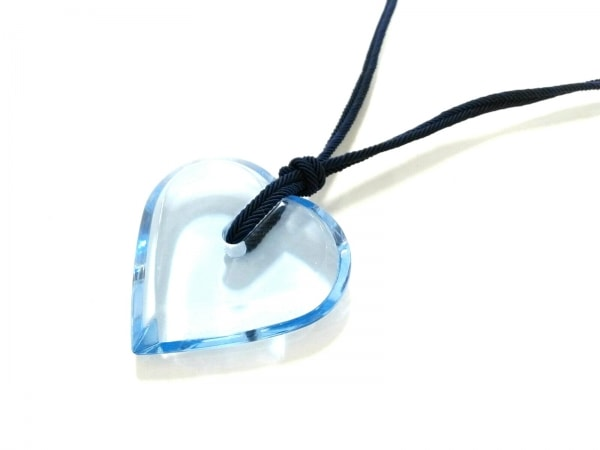 バカラ ネックレス美品  クリスタルガラス×化学繊維 ライトブルー×ネイビー ハート