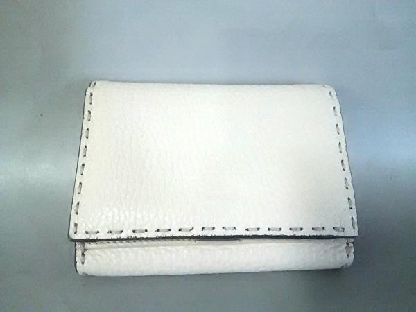 FENDI(フェンディ) 2つ折り財布美品  ピーカブー/セレリア 8M0359 ベージュ レザー