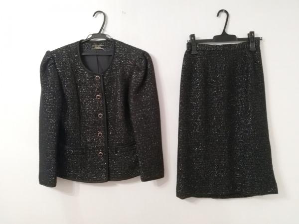 Leilian(レリアン) スカートスーツ レディース美品  黒×ゴールド 肩パッド/ラメ