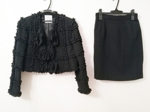モスキーノ チープ&シック スカートスーツ レディース 黒 フリル