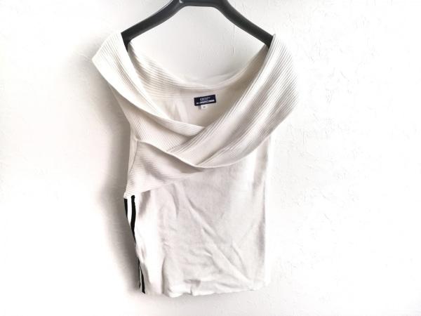 バーバリーブルーレーベル ノースリーブセーター サイズ38 M レディース美品  白×黒