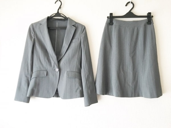 ru(アールユー) スカートスーツ サイズS レディース美品  グレー×ライトグレー