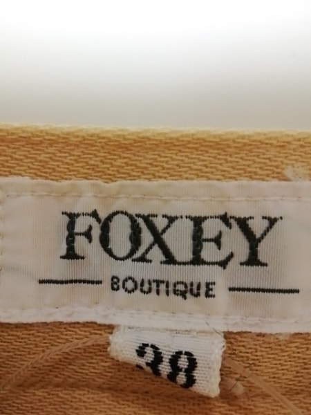 FOXEY(フォクシー) ショートパンツ サイズ38 M レディース美品  ベージュ