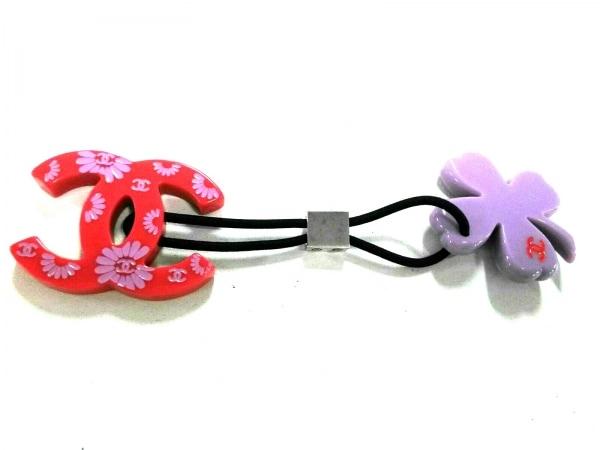 CHANEL(シャネル) アクセサリー美品  プラスチック×化学繊維 黒×レッド×ピンク