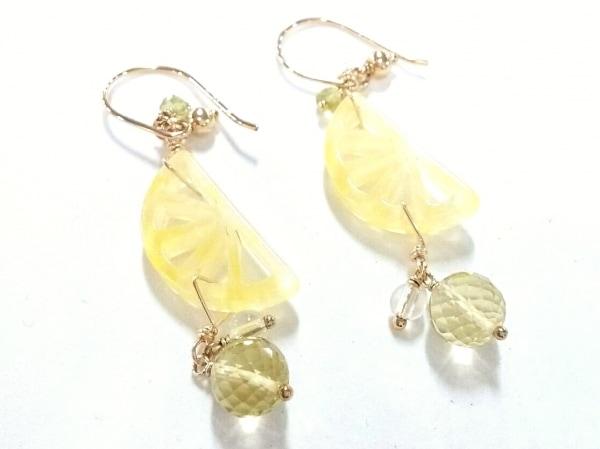 TAKE-UP(テイクアップ) ピアス新品同様  金属素材×プラスチック レモン