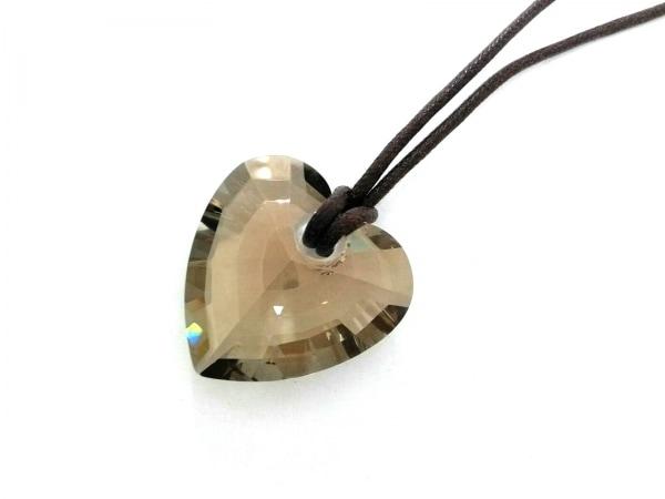 スワロフスキー ネックレス美品  化学繊維×スワロフスキークリスタル ハート