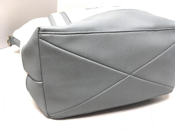CHERRY ANN(チェリーアン) ハンドバッグ 白×ライトブルー キャンバス×合皮