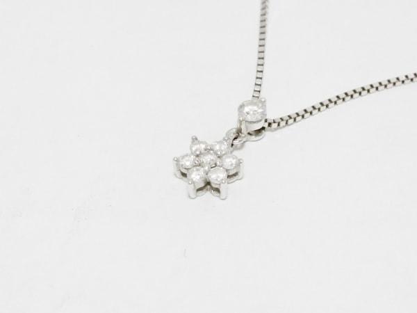 ヴァンドーム青山 ネックレス K18WG×ダイヤモンド ダイヤ:0.16Ct/花モチーフ