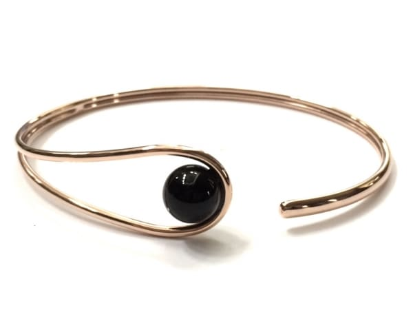 SKAGEN(スカーゲン) バングル美品  金属素材×プラスチック ピンクゴールド×黒