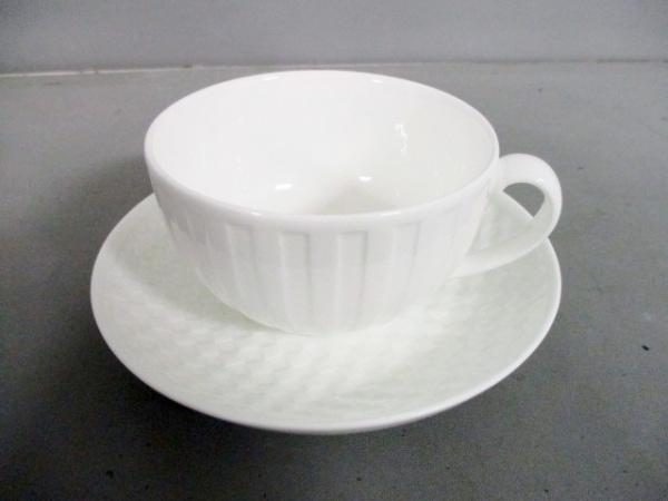 WEDG WOOD(ウェッジウッド) カップ&ソーサー新品同様  - 白 陶器