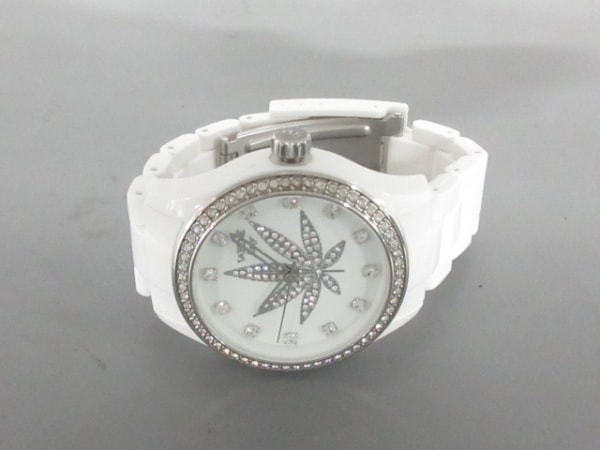 VABENE(ヴァベーネ) 腕時計美品  - レディース 白