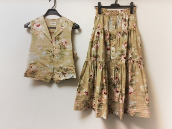 インゲボルグ スカートセットアップ レディース美品  ベージュ×ピンク×マルチ 花柄