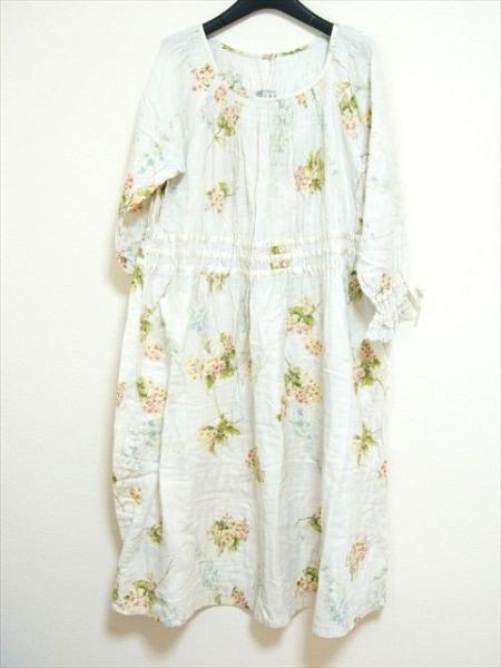 IKUKO(イクコ) ワンピース サイズM レディース アイボリー×レッド×グリーン 花柄