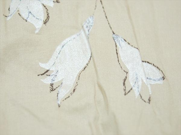 イクコ ワンピース サイズM レディース美品  ベージュ×白×ダークブラウン 花柄