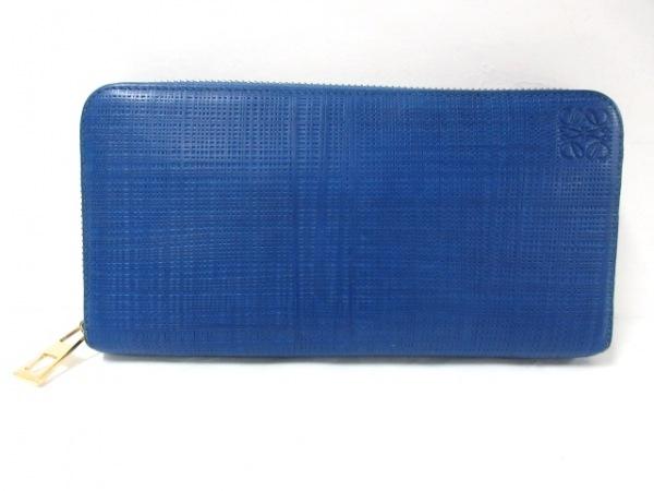 LOEWE(ロエベ) 長財布美品  - ブルー ラウンドファスナー/型押し加工 レザー