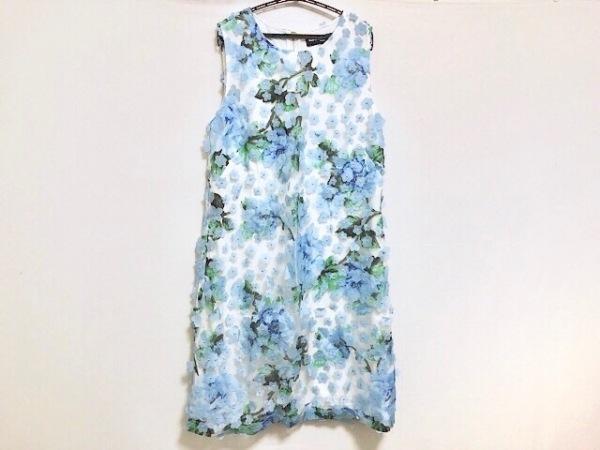 カールラガーフェルド ワンピース レディース美品  白×ライトブルー×マルチ 花柄