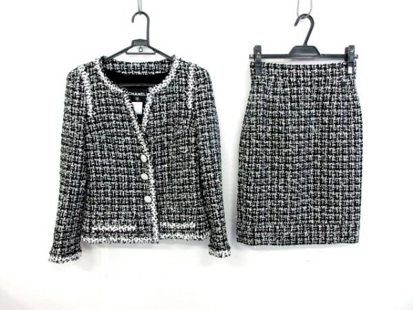 CHANEL(シャネル) スカートスーツ レディース美品  黒×白 ツイード