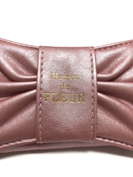 Maison de FLEUR(メゾンドフルール) 小物入れ美品  ピンク アクセサリーケース 合皮