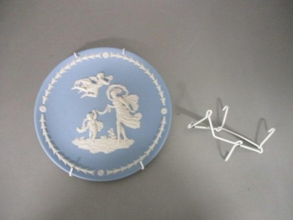 ウェッジウッド 小物美品  ライトブルー×アイボリー イヤープレート/2015 陶器
