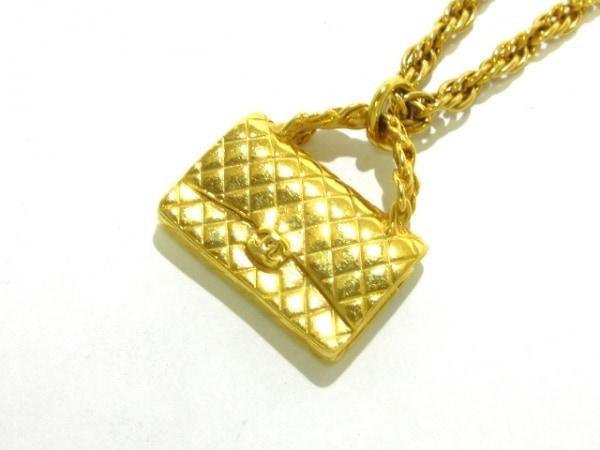 CHANEL(シャネル) ネックレス美品  マトラッセ 金属素材 ゴールド バッグモチーフ