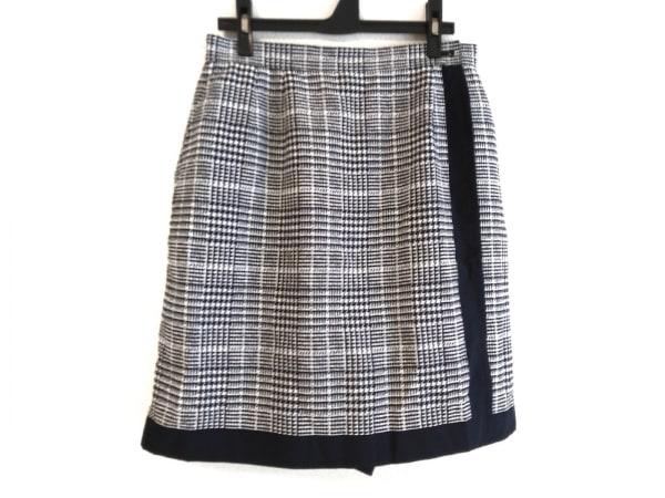 BURBERRYGOLF(バーバリーゴルフ) 巻きスカート サイズLL レディース 白×黒 千鳥格子