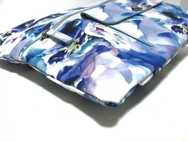 BARNEYSNEWYORK(バーニーズ) クラッチバッグ 白×ライトブルー×マルチ 花柄 レザー