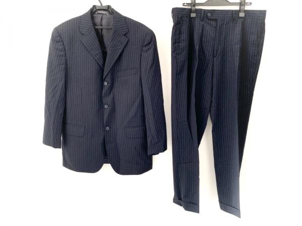 BOGGI(ボッジ) シングルスーツ サイズ50 メンズ美品  黒×ライトグレー ストライプ