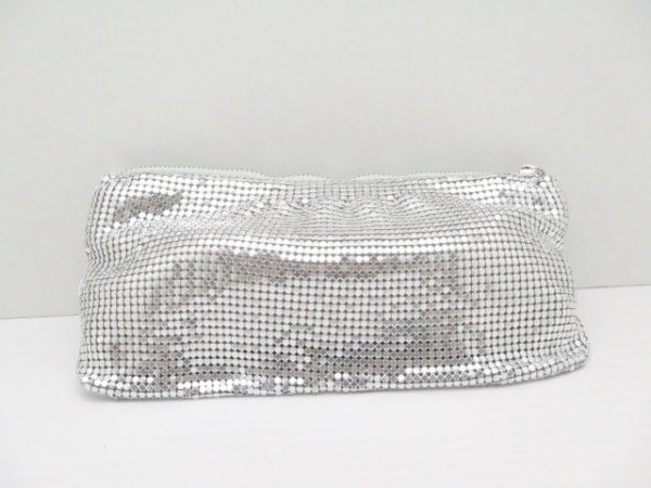 JIMMY CHOO(ジミーチュウ) ポーチ - シルバー 金属素材