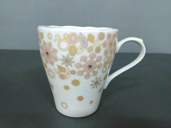 Afternoon Tea(アフタヌーンティー) マグカップ新品同様  白×ピンク×マルチ 陶器