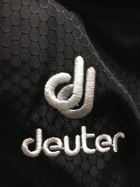 deuter(ドイター) リュックサック 黒×白 ナイロン