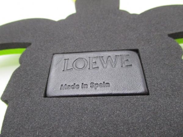 LOEWE(ロエベ) キーホルダー(チャーム) ライトグリーン×グリーン×黒 ポリエチレン