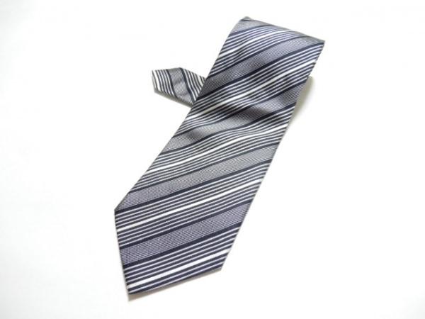 GIORGIOARMANI(ジョルジオアルマーニ) ネクタイ メンズ美品  - - 黒×白 ストライプ