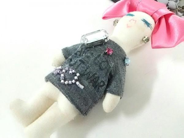 デモデ キーホルダー(チャーム) アイボリー×ピンク×マルチ ビジュー/ビーズ/リボン