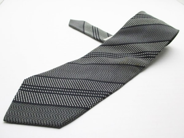 ジョルジオアルマーニ ネクタイ メンズ美品  グレー×黒×アイボリー 斜めストライプ