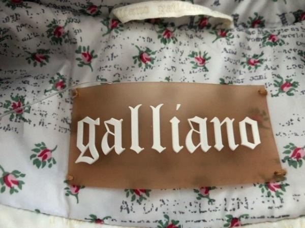 galliano(ガリアーノ) コート サイズ24/38 レディース 花柄