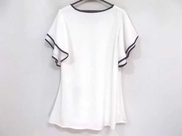 Tiaclasse(ティアクラッセ) 半袖カットソー サイズL レディース新品同様  白×黒
