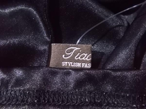 Tiaclasse(ティアクラッセ) 半袖カットソー サイズL レディース新品同様  黒