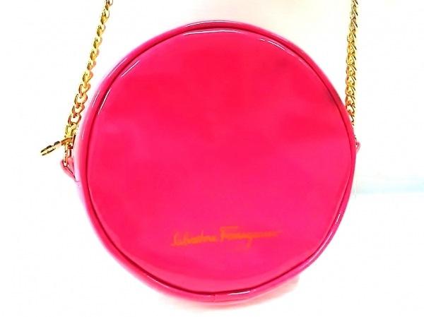サルバトーレフェラガモ パフューム ショルダーバッグ美品  ピンク エナメル(合皮)