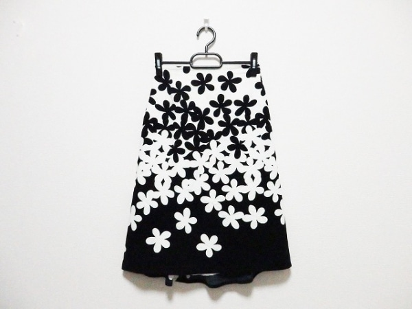 agnes b(アニエスベー) ロングスカート サイズ36 S レディース アイボリー×黒 花柄