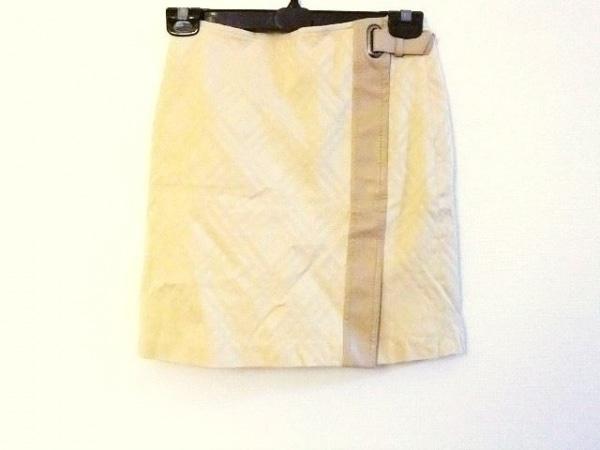 バーバリーブルーレーベル スカート サイズ36 S レディース美品  ベージュ