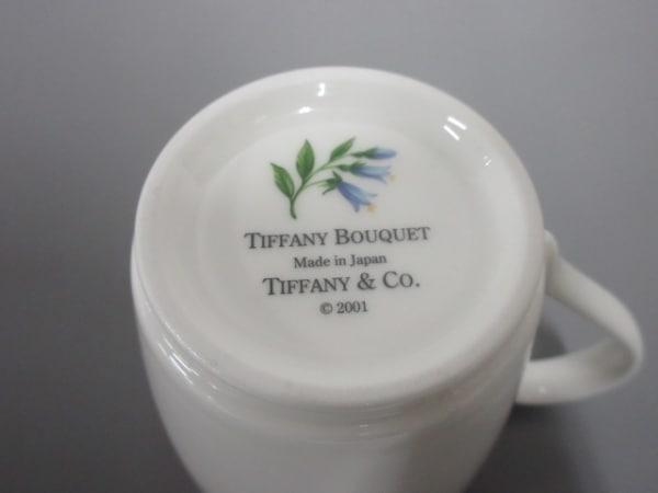 ティファニー マグカップ新品同様  BOUQUET 白×ピンク×マルチ 2点セット 陶器