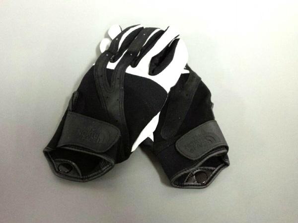 THE NORTH FACE(ノースフェイス) 手袋 メンズ新品同様  黒×白 合皮×ポリエステル