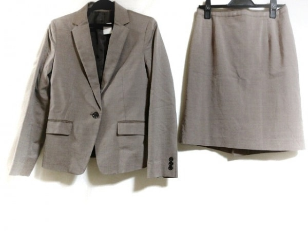 COMME CA ISM(コムサイズム) スカートスーツ サイズM レディース新品同様  ブラウン