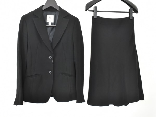 組曲 KUMIKYOKU(クミキョク) スカートスーツ レディース 黒